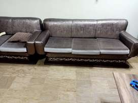 8 SEATS SOFA SET. 9/10. NEW LEATHER POSHISH. MOLTY FOAM NEW .