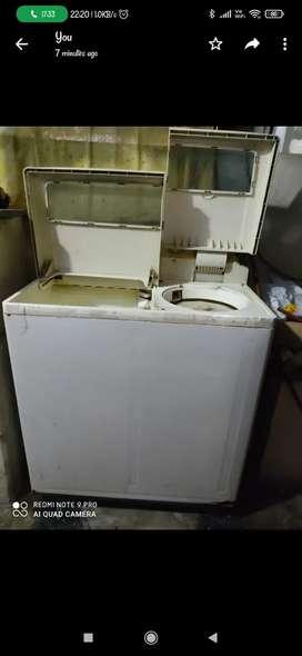 Urgently want to sell Washing machine