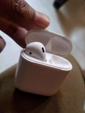 Need Original Apple Airpods Gen 2 Right Pod