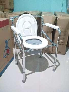 Kursi toilet bab tanpa roda