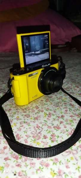 Kamera Casio Zr1200 1080p