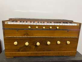 Harmonium traditional