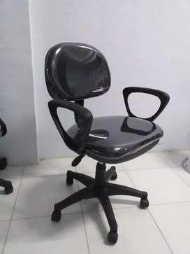 kursi kantor/seketaris