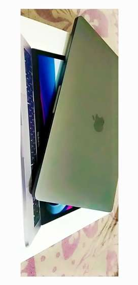 Apple laptop 1 day old only