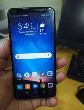 Huawei mate 10 lite 10 by 10 condition with charge no box no ear plugs