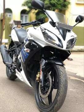 Yamaha R15s, White Blue
