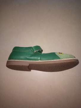 Mini Boden leather shoes, Size 31, for 5 to 8 year girl.