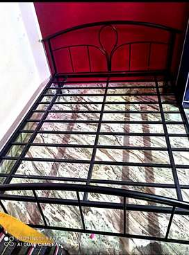 IRON BED 6/5