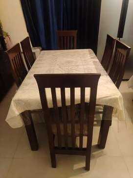 6 seater Dining table (black)