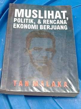 Buku Tan Malaka Bersampul