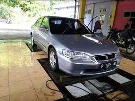 Honda accord VTi L exlusive th 2000