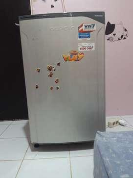 Kulkas & Freezer Toshiba Glacio