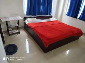 Furnished Single room(Bed, Tv, Geyser) Available
