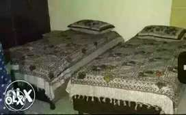 GIRLS PG NOIDA SECTOR=62 & 63 monthly rent-4000rs. (Very low price)