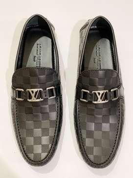 Sepatu LV Louis Vuitton Baru