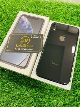 iPhone xr-64 gb