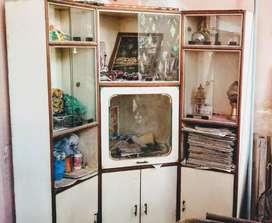 Showcase in good condition