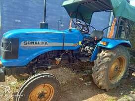 Sonalika tractor  Di 42 RX model( new ).900 hrs driven