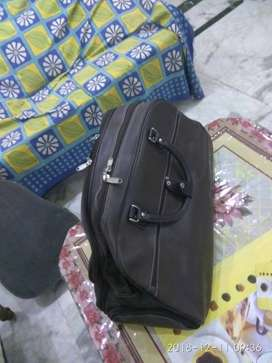 AEOTENI brand new leather bag for 4 to 5 days travel