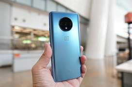 One Plus 7t in very good condition and very good quality phone it is.