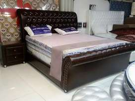 Duck shape bed with Poshish sides