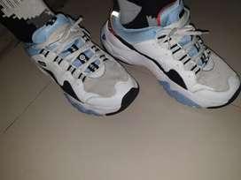 Sepatu pria SKECHERS ORIGINAL