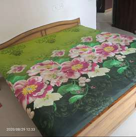 Full wooden king size bed