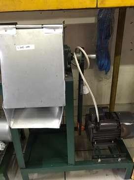 Mesin Parut Kelapa + Dinamo 0.5 HP