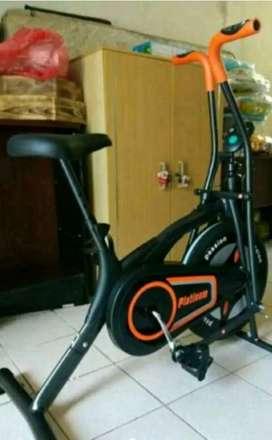 Sepeda fitnes murah bahan anti gores