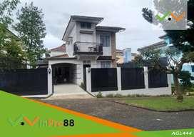 Dijual Villa Dengan Bangunan Mewah di Cipanas Kota Bunga