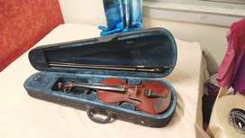Full Size Violin for Sale (Soft Case, Bow, Resin, Strap included)