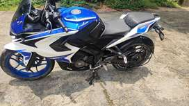 Bajaj Pulsar RS200 blue white color in awesome condition