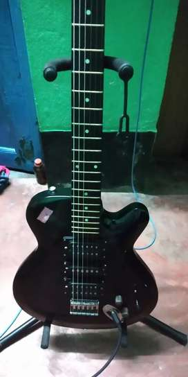 Givson Lead 5 guiter