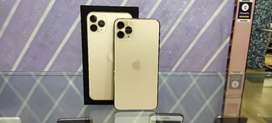 Iphone 11 pro Max 256 gold 20 days old