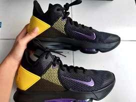Sepatu Basket Nike Lebron Witness IV