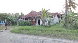 Rumah beserta sebidang tanah