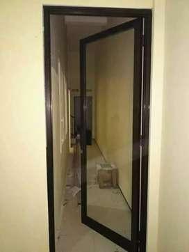 Pintu dan kusen aluminium dan kaca