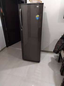 LG brand 150 liter..works without stabilizer