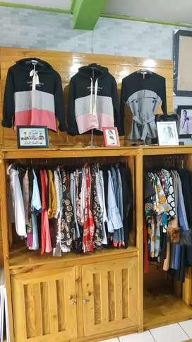 Rak Baju Buat Usaha / Lemari Pajangan Baju 2