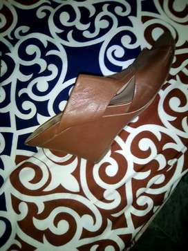 Urgent sale leather heels