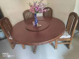 Dining table with 4 chairs in Mira Road, Thane
