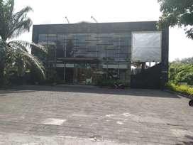 Tanah bonus gedung galeri dan villa di jln raya by pass Marlboro Bali