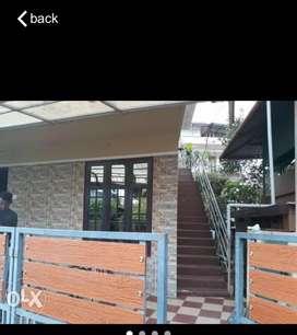 Kakkanad vazhakkala 2BHK 1floor house for Rent family only