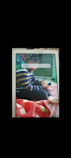 Samsung tablet p585with spain
