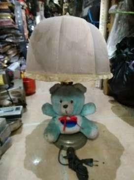 Antik nih lampu boneka pki payung cocok utk koleksi di jmn nya dl lht