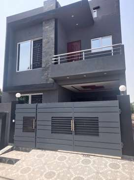 05 Marla New Condition House available in Overseas Block