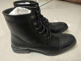 Redtape boots brand new unused. Shoe Size UK 11