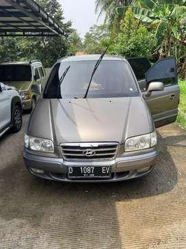 Jual cepat BU Hyundai Trajet 2006 CVVT mulus terawat jarang ada