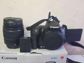 Kamera dslr Canon 200D