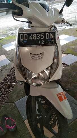 Honda beat putih tahun 2010